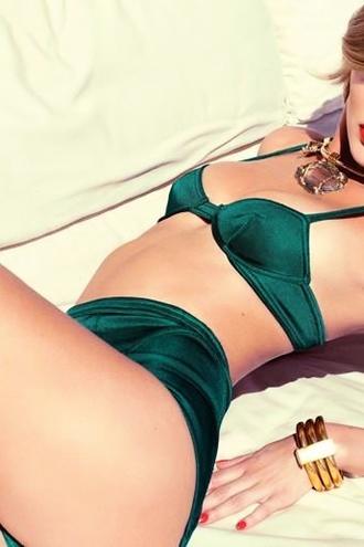 Bombshell Bregje Heinen Hot Bikini Pictures
