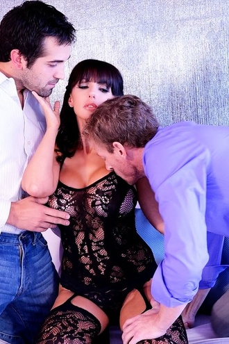 Catalina Cruz First Time Full Sex Threesome With 2 Cocks