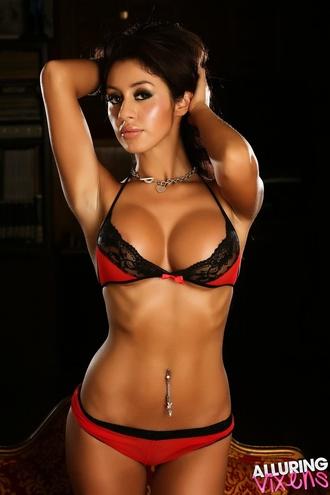Joselyn's Huge Tits