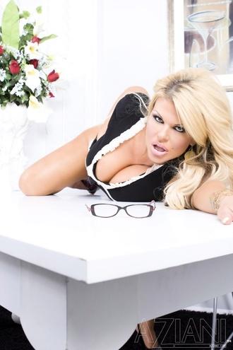 Busty Sophia Rossi