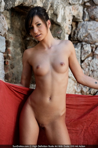 Perfect Combination With Black Hair Babe And Redshawl Showing Us Her Tight Naked Body