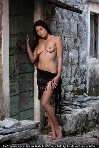 Sexy Babe Adriana In Black Scarf Showing Off Her Natural Tits And Shaved Pussy