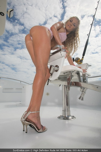 High Class Babe Gilda Roberts Got Naked On The Ride With A Big Yacht And Show Us Her Tight Pussy And Cute Tits