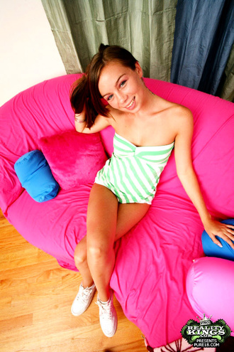 This Cute Brunnette Teenie Gets Her First On Camera Facial In These Hot 18 Yr Old Photos