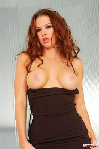 Victoria Redd Undressing