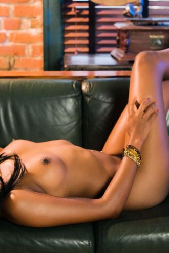 Sexy Ebony Nina Devon