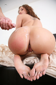Kelly Divine Spreads Open Wide For Hard Cock Injection