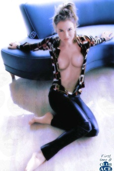 Renee Zellweger&#039,S Piping Hot Naked Pictures