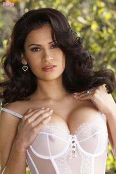 Vanessa Veracruz Teases