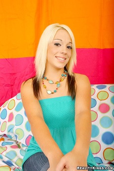 Horny 18yo Babe Cody Gets Pounded