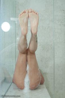 Nikki In The Shower