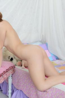 Nude Teenie