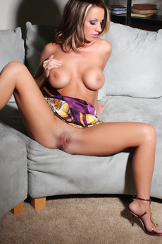 Tessa West Plays With Her Sweet Pussy!