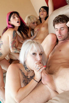 5 Girls In A Emo Whore Orgy In A Cabin