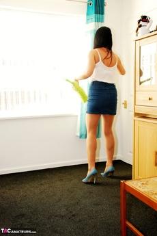 Raven Cleans In Her Tights & Cfm Heels Pt1