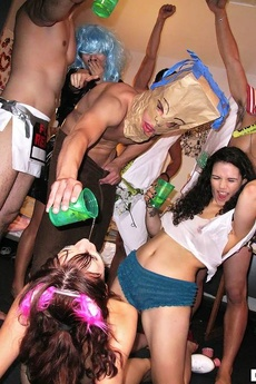Check Out These Real User Submitted College Sex Cumfaced Parties