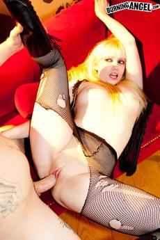 Blonde Goth Slut Ranie Mae Is Bound And Fucked