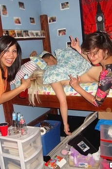Check Out These Hot Undie Teens Masturbation And Fuck Eachotehr In Thesae Real Dorm Room Fucking User Submitted Pics