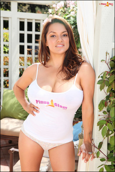 Voluptuous Latina Monica Showing Her Huge Breasts