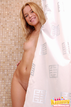 A Hot And Sexy Naked Body Of Kimmy Taking Out Pubics At The Bathroom