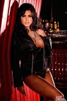 Sexy Sunny Leone