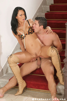 Susie Diamond Fucks And Sucks On Stairs