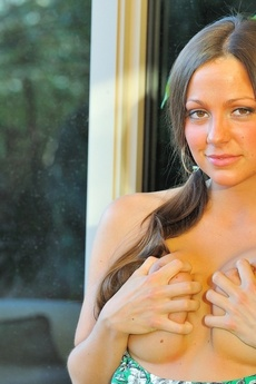 Abigail Busty And Wet