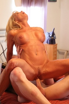 Meet The Neighborhood Milf. I See Her Work Out At