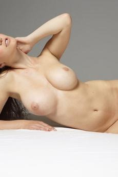 Yara Sensuous picture 17