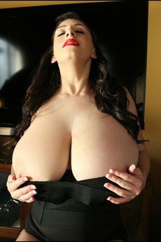 Busty September Unleash Huge Boobs Under Her Corset picture 4