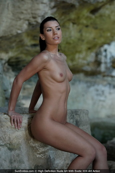 Small Firm Tits And Shaved Pussy From This Hot Sexy Babe Betty At Carved Stones picture 7
