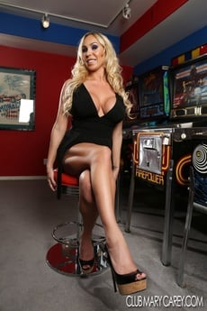 Sexy Mary Carey Strips From Her Black Dress Exposing Her Curvy Hot Body. picture 4