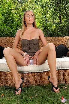 Ulrika Toying Outdoors picture 7