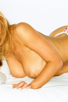Playmate Exclusives December 2005   Christine Smit picture 3