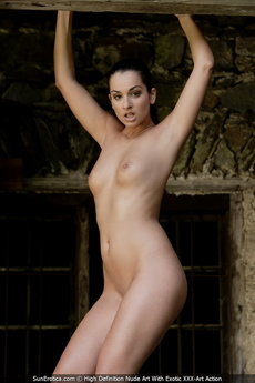 Sexy Babe Elena Gives Us An Opportunity To See Her Amazing Body With Shavd Pussy And Cute Tits picture 9