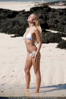 Leslie Strips Her White Bikini Down And Plays Naked In The Shallow Water picture 1