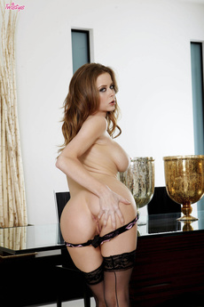 Emily Addison Sexual Cravings picture 9