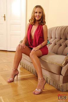 Blonde Zuzana Z Naked On Sofa picture 1