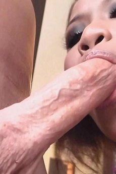 Cutie Smiling Gf Licks And Sucks Cock For A Facial picture 7
