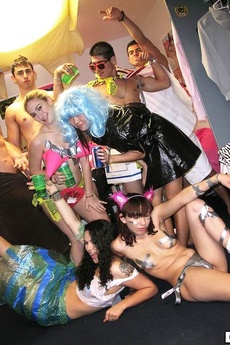 Horny College Babes Fuck And Suck In This Amazing Real Black Out Dorm Room Sex Party picture 8